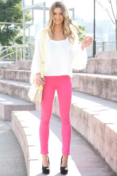decoltè nere pantaloni rosa abbinamenti